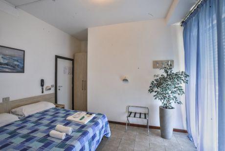Hotel Continental - Pesaro - MAGICZNE WŁOCHY