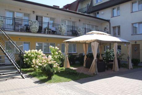 Hotel WCZASY W ŁEBIE - OŚRODEK WCZASOWY OAZA