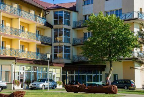 WCZASY W SARBINOWIE - HOTEL*** NAT JAWOR