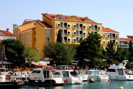HOTEL SELCE***- wczasy autokarowe w Chorwacji
