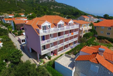 Hotel RADIĆ - KOMPLEKS WCZASOWY